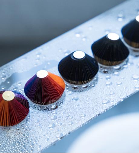 ◎実験風景 密封された空間で蒸気を当て続け、耐水強度・耐水時間を検証。